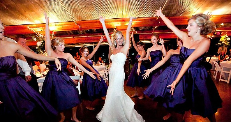 Bridal-Party-Dance